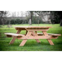 Habrita Table avec banc en douglas forestière Munich